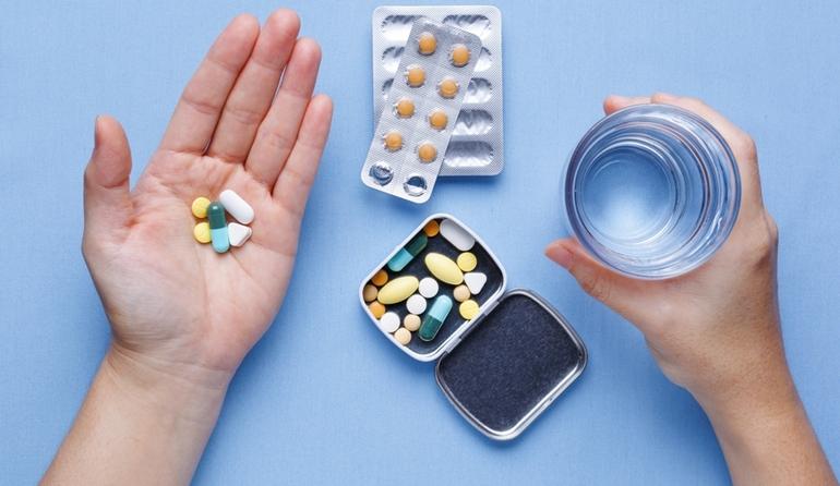 Прием медикаментов, подавляющих выработку спермы.