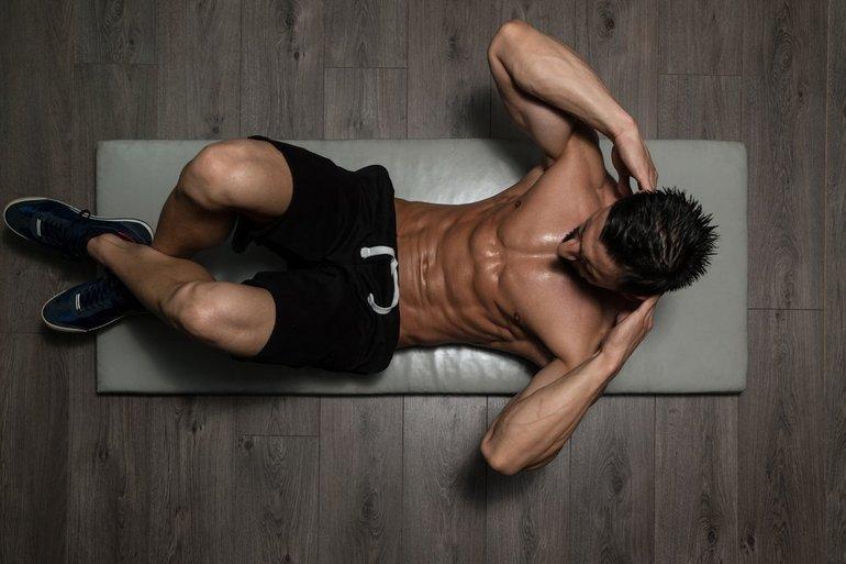 Упражнения для мужчин: как накачать красивый пресс