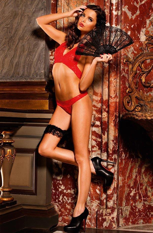 Элегантный сексуальный сетка бюстгальтер на девушке в нижнем белье