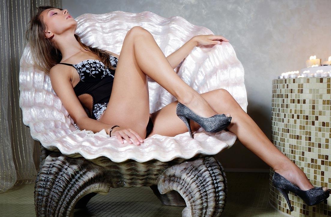 Нижнее белье у девушки, блистательные элитные секси трусы